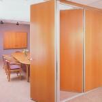 şeffaf camlı bölme duvar