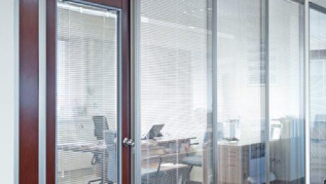 büro bölme sistemleri tamamı camlı