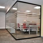 çizgili cam cama profilsiz ofis bölme